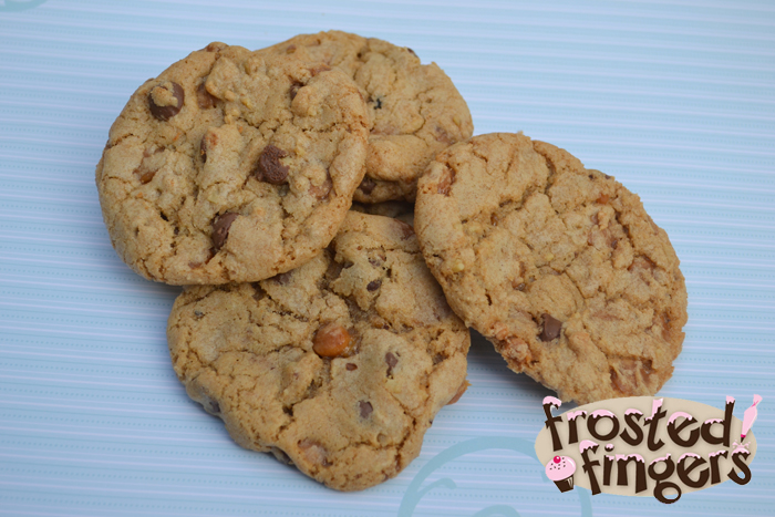 Turtle Chocolate Chip Cookies #VZWSG #Samp - Frosted Fingers | Baking ...