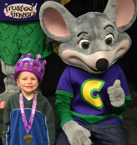 Little Man Turns 5 with a Chuck E Cheese's Birthday Party ...