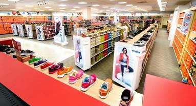 Famous Footwear at the Promenade in Bolingbrook