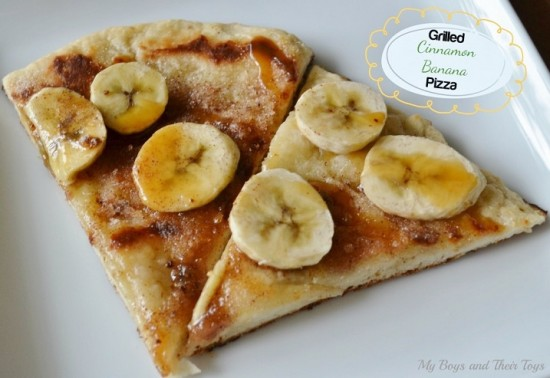 grilled-cinnamon-banana-pizza